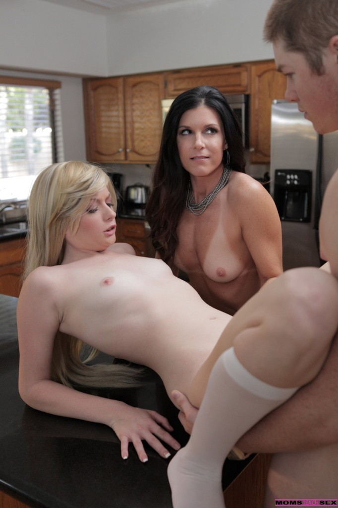 momsteachsexfan wp content uploads 2014 01 12 682x1024