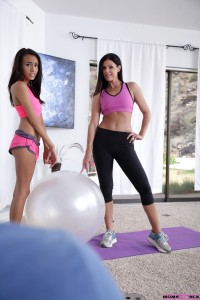 Moms Teach Sex India Summer & Janice Griffith in Make It Sexy