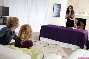 Moms Teach Sex Lizzie Bell & Savannah Fyre in Toy Demonstration